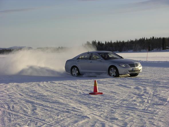 08.-15.02.2006 Schweden Arjeplog Winter Allrad 221 Skeut See Dynamik