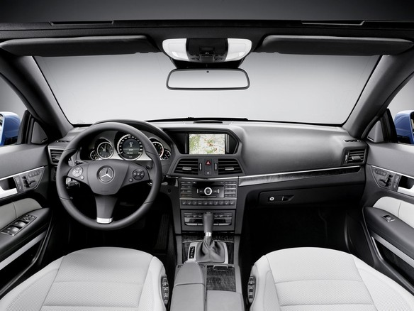 Mercedes_E-Class_Convertible_13