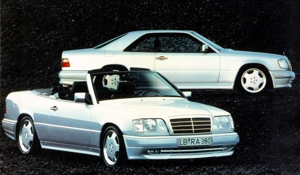 Mercedes-Benz Typ E 36 AMG Coupé (hinten) und Cabriolet (vorn)