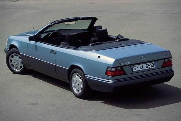 Mercedes-Benz Typ E 220 Cabriolet, Baureihe 124