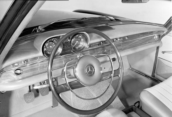 Mercedes-Benz Typ 300 SE, 1965-1967. Armaturen