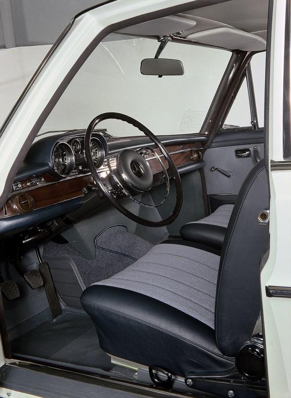 Mercedes-Benz Typ 250 S der Baureihe 108 II