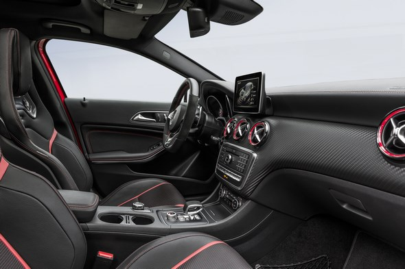 A 45 AMG (AMG Exklusiv), Jupiterrot; Interieur Schwarz / RED CUT A 45 AMG (AMG Exclusive), jupiter red, interior black RED CUT