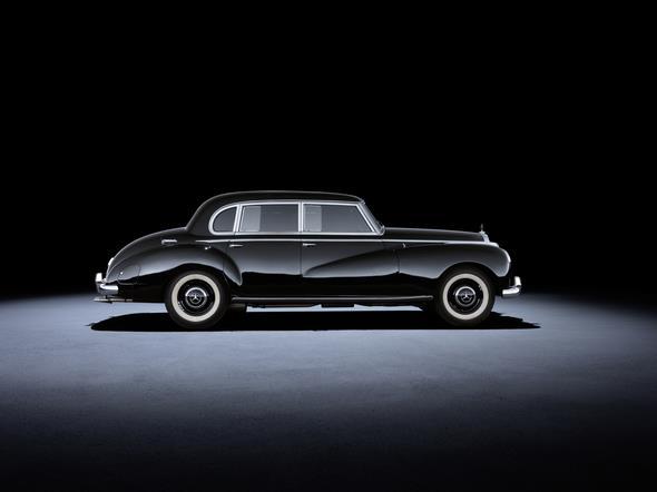 Mercedes-Benz 300 (W 186 / W 189, 1951 bis 1962). Im Bild ein Fahrzeug aus dem Jahr 1952. Mercedes-Benz 300 (W 186 / W 189, 1951 to 1962). The car in the photo dates from 1952.