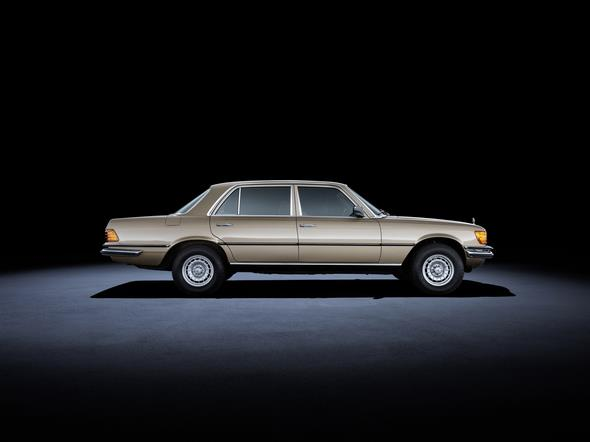 Mercedes-Benz S-Klasse der Baureihe 116 (1972 bis 1980). Im Bild ein 450 SEL 6.9 aus dem Jahr 1980. Mercedes-Benz S-Class 116 series (1972 to 1980). The 450 SEL 6.9 model in the photo dates from 1980.