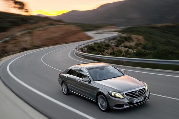 Mercedes-Benz S 400 HYBRID (W 222) 2013, Lack: AMG alubeam silber, Ausstattung: Leder Exklusiv porzellan/schwarz