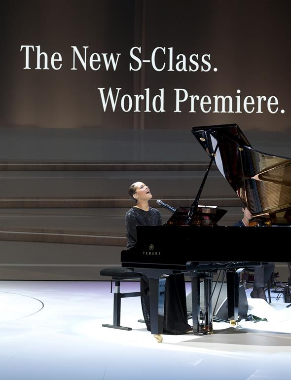 The new S-Class. World Premiere. Hamburg 2013