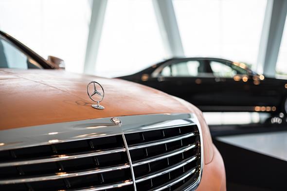 Die Sonderausstellung ?Mercedes-Benz S-Klasse ? immer der Zeit voraus? im Mercedes-Benz Museum stellt die Historie dieser ganz besonderen Baureihe umfassend dar.