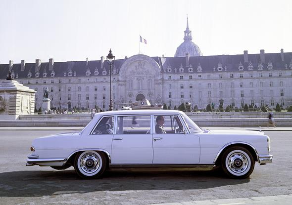 Mercedes-Benz Typ 600 Limousine in Paris