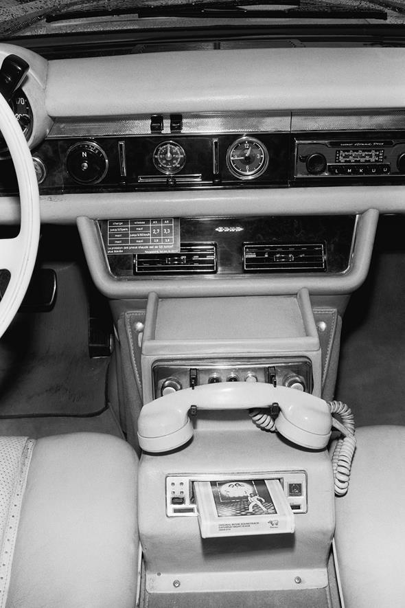 Mercedes-Benz Typ 600-Landaulet der Baureihe W 100, Telefon, Autotelefon.