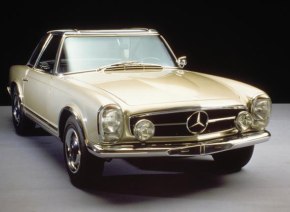 """Caption orig.: """"Mercedes-Benz Typ 230 SL, 1964. - Mercedes-Benz Typ 230 SL, 1964. - Im Jahr 1963 wurde dieser Wagen als Nachfolger des Mercedes-Benz 190 SL vorgestellt. Abgesehen von der hervorragenden Technik und den Leistungen, war das abnehmbare Hardto"""