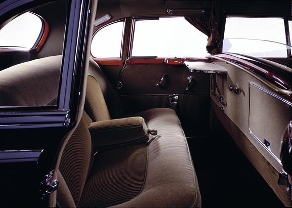 Mercedes-Benz Typ 300 Limousine (mit Trennscheibe), 1952.
