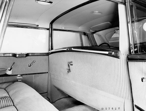 Mercedes-Benz Typ 300 c, 125 PS, Limousine, Bauzeit: 1955 bis 1957.