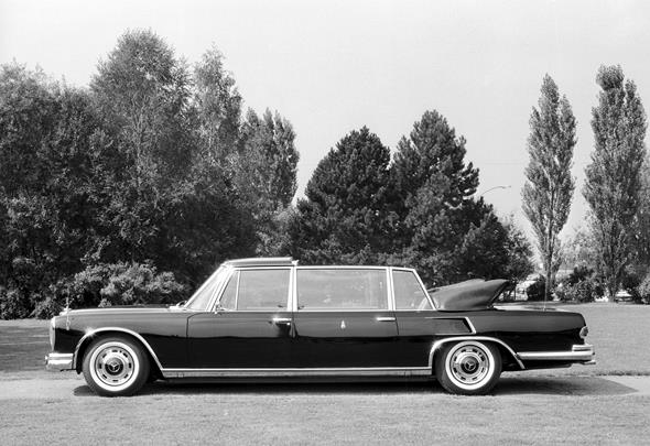 Mercedes-Benz Typ 600 Pullman-Landaulet, Papstwagen aus dem Jahre 1965.