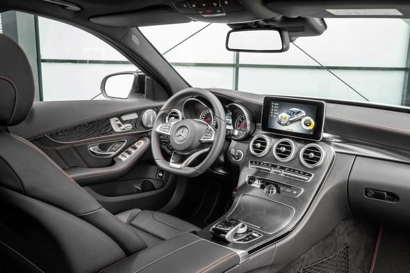 Mercedes-Benz C 450 AMG 4MATIC, Interieur: Leder schwarz; Holz Esche schwarz offenporig interior: leather black; open - pore black ash wood trim