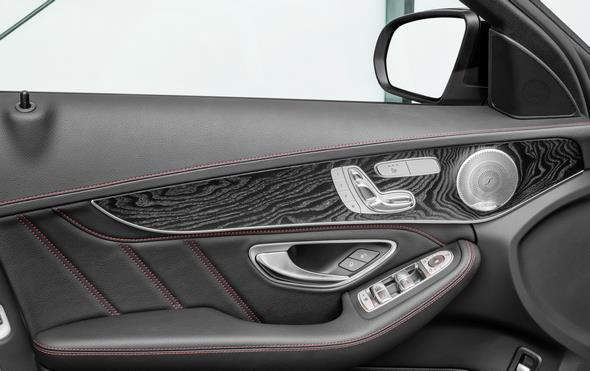 Mercedes-Benz C 450 AMG 4MATIC, Interieur: Leder schwarz; Holz Esche schwarz offenporig interior: leather black; open - pore black ash wood trim