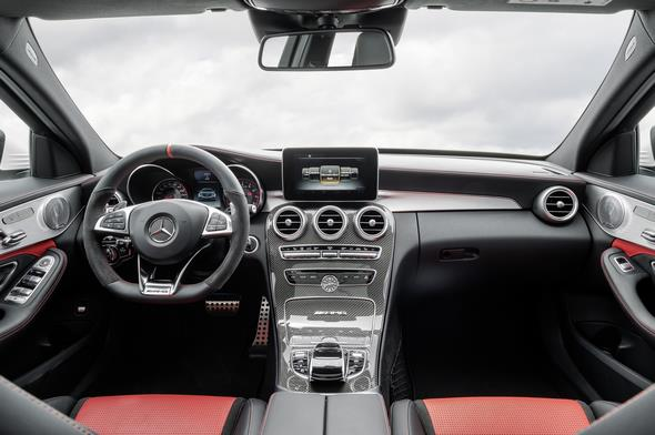 Mercedes-AMG C 63 S (BR 205) Limousine /saloon; 2014; Interieur: Leder Nappa red pepper/schwarz, AMG Performance Sitze, AMG Zierelemente Carbon / Aluminium Interior: nappa leather red pepper/black, AMG Performance seats, AMG carbon-fibre / aluminium trim
