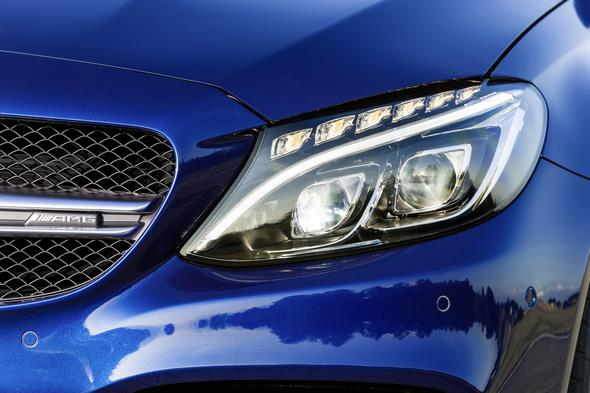 Mercedes-AMG C 63 (BR 205) T-Modell / estate; 2014; Exterieur: brilliantblau metallic; LED Intelligent Light System Exterior: brilliant blue metallic; LED Intelligent Light System