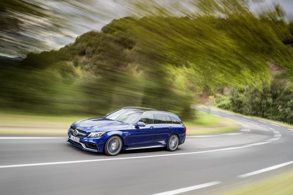 Mercedes-AMG C 63 (BR 205) T-Modell / estate; 2014; Exterieur: brilliantblau metallic; AMG Night-Paket Exterieur, AMG Keramik Hochleistungs-Verbundbremsanlage, wärmedämmend dunkel getöntes Glas Exterior: brilliant blue metallic; AMG Night package, AMG high-performance ceramic composite braking system, heat-insulating dark-tinted glass