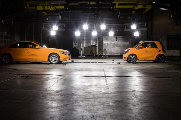 Crashtest car to car, S-Klasse V222 gegen smart fortwo C453