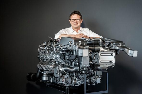 Mercedes-AMG 4.0-Liter Biturbo-Motor (M 178); 2014