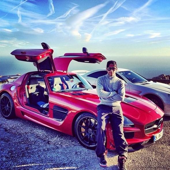 Lewis-Hamilton-Mercedes-Benz-600x600