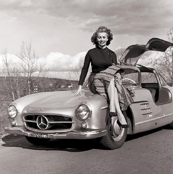 Sophia-Loren-looking-great-with-her-Mercedes-SLR_zpsb4599d72