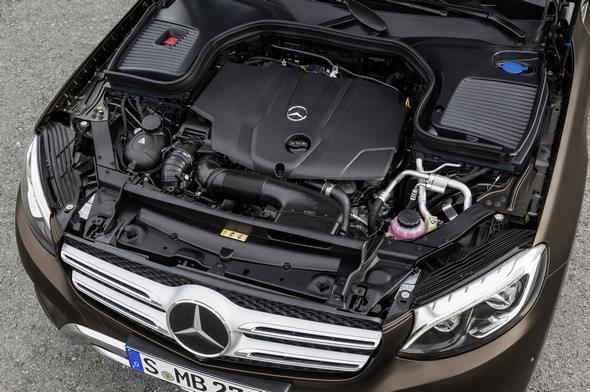 Mercedes-Benz GLC. Motorraum GLC 250 d.