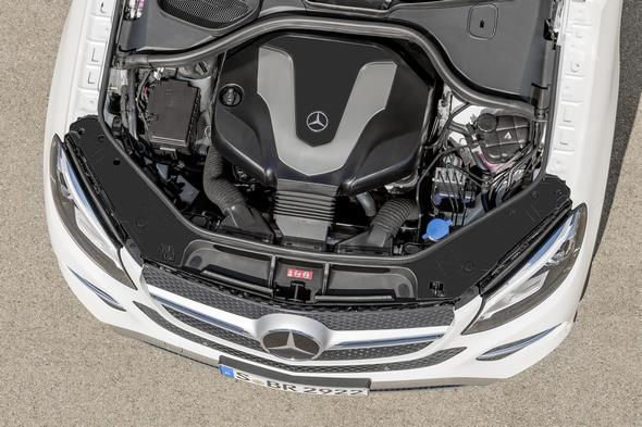 GLE 350 d 4MATIC (C 292), Exterieur: Designo Diamantweiß Bright, 6-Zylinder Dieselmotor des GLE 350 d,exterior: designo diamond white bright, 6-cylinder diesel engine of the GLE 350 d