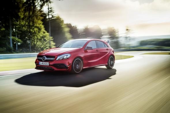 A 45 AMG (AMG Exklusiv), Jupiterrot; Interieur Schwarz / RED CUT A 45 AMG (AMG Exclusive), jupiter red, interior black RED CUT