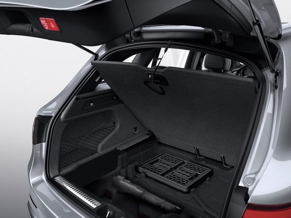 Mercedes-Benz GLC. Unter der Kofferraumabdeckung finden sich weiterer Stauraum und Ablagefächer.