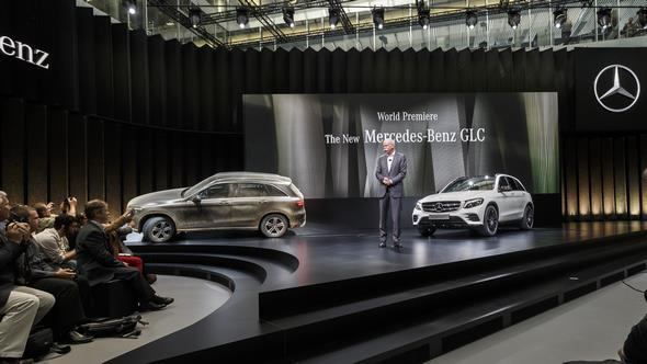 Dr. Dieter Zetsche, Vorstandsvorsitzender der Daimler AG und Leiter Mercedes-Benz Cars, bei der Weltpremiere des Mercedes-Benz GLC. Dr. Dieter Zetsche, Chairman of the Board of Management of Daimler AG and Head of Mercedes-Benz Cars, at the world premiere of the Mercedes-Benz GLC.