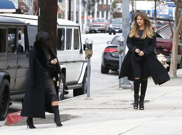 Kim+Khloe+Kardashian+Visit+Sporting+Goods+5FEk
