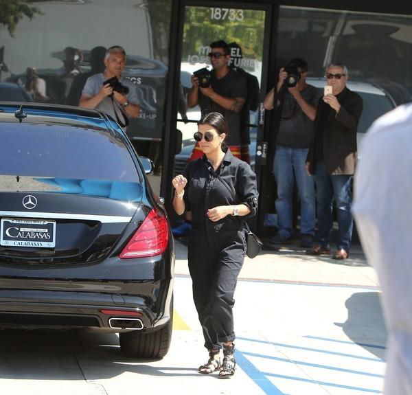Kourtney+Kardashian+Penelope+Disick+ballet+90k