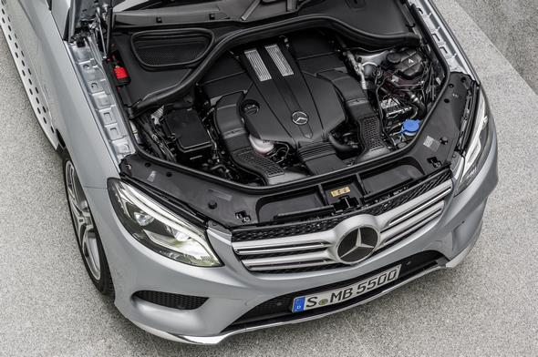 GLE 500 e (Plug-In Hybrid) W 166, 2015 Exterieur: Diamantsilber Metallic, AMG Line Exterieur, V6 Biturbo Benzinmotor mit plug-In Hybridtechnologie Exterior: diamond silver metalic, AMG line exterior, V6 biturbo petrol engine with plug-in hybrid technology