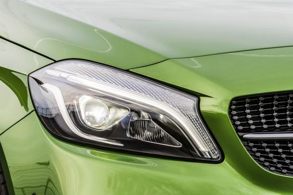 A 220d 4MATIC (Style), Elbaitgrün. Interieur Schwarz / Grün A 220d 4MATIC (Style), elbaite green, Interior black / green