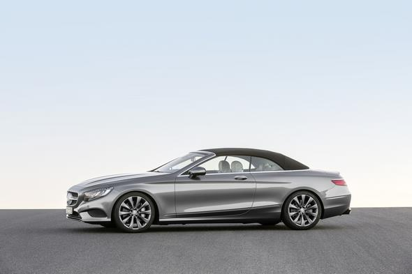 Mercedes-Benz S-Klasse Cabrio ( A 217 ) 2015. S 500, Selenitgrau, Interieur: Leder porzellan/tiefseeblau, Verdeck schwarz