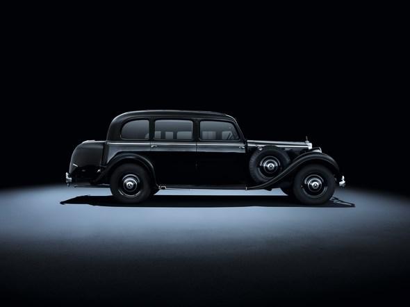 Mercedes-Benz 320 (W 142, 1937 bis 1942). Im Bild eine Pullman-Limousine aus dem Jahr 1939.