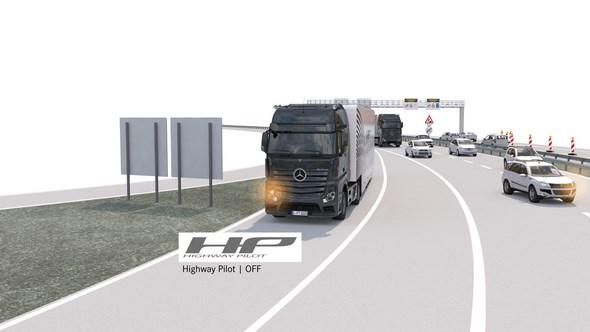 Mercedes-Benz Actros mit Highway Pilot auf einer Autobahn-Abfahrt (Highway Pilot OFF)