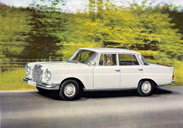 """""""Heckflossen-Mercedes"""" Typ 220 b, 1959-64 (Rückspiegel auf dem Vorderkotflügel)"""