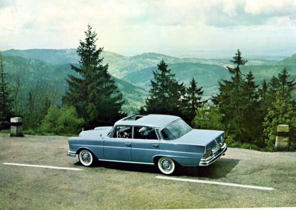 """""""Heckflossen-Mercedes"""" Typ 220 SEb, 1959-64 (Rückspiegel auf dem Vorderkotflügel)"""