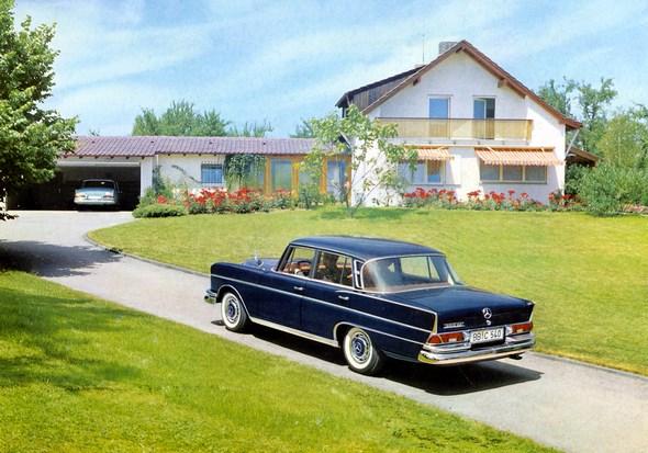 """""""Heckflossen-Mercedes"""" Typ 300 SE, 1961-1964 (Rückspiegel auf dem Vorderkotflügel)"""