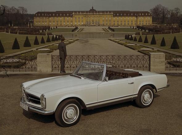 """Mercedes-Benz """"Pagoden-SL"""" der Baureihe W 113"""