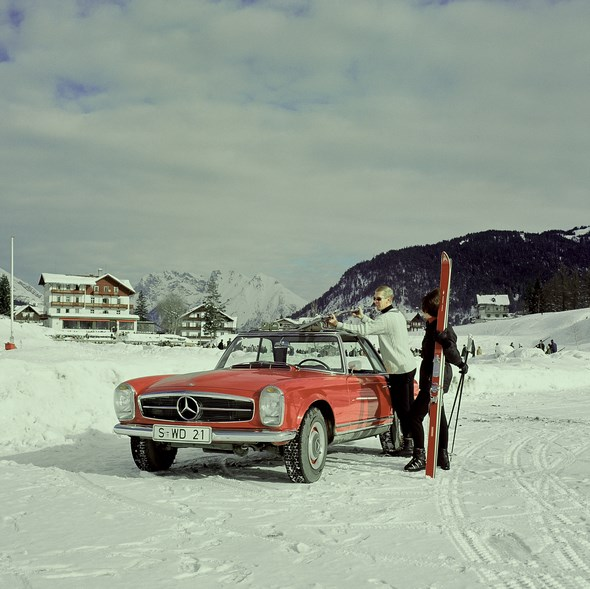 """Mercedes-Benz """"Pagoden-SL"""" der Baureihe W 113."""