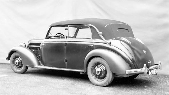 Mercedes-Benz Typ 230, 55 PS, Cabriolet D, Bauzeit: 1938 bis 1943.