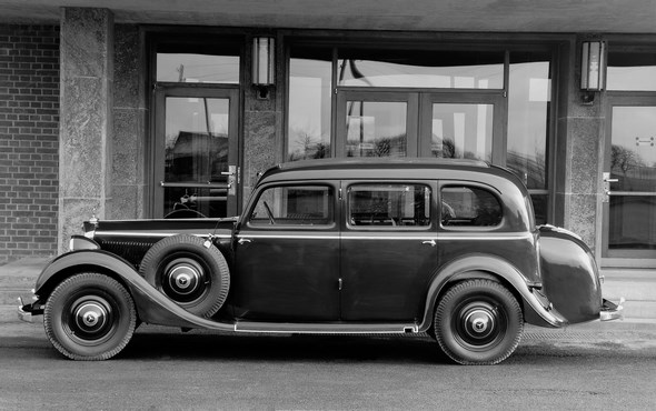 Mercedes-Benz Typ 320 Pullman-Limousine mit Außenkoffer, 1939