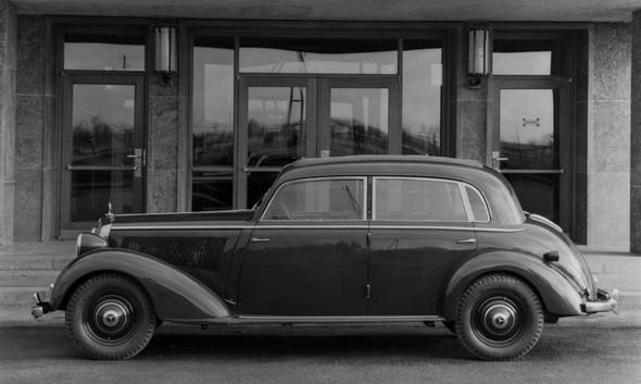 Mercedes-Benz Typ 230, 55 PS, Limousine, Bauzeit: 1938 bis 1943.
