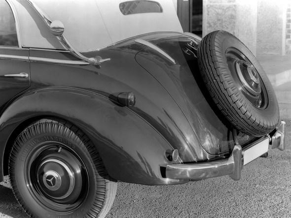 Mercedes Benz Typ 230, 55 PS, Cabriolet D, Bauzeit: 1938 bis 1943.