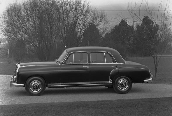 Mercedes-Benz Typ 220 S aus dem Jahr 1958.