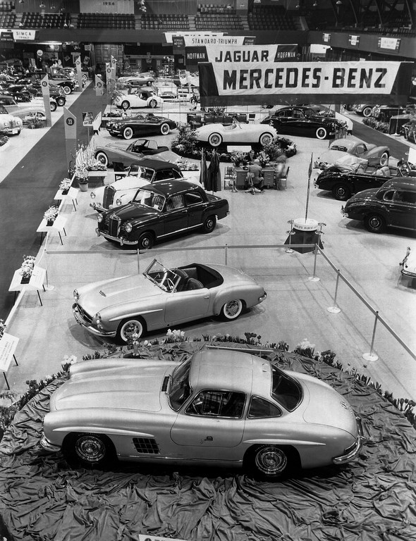 6. bis 14. Februar 1954. International Motor Sports Show in New York. Vorstellung der Mercedes-Benz Sportwagen Typen 190 SL und 300 SL.